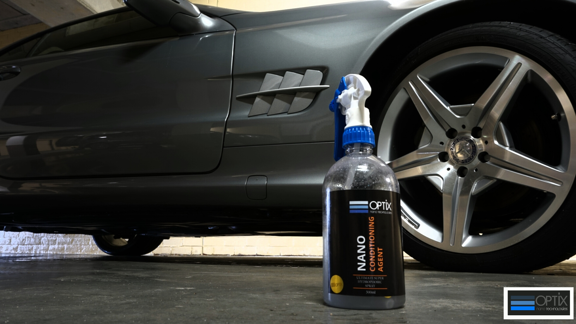 OPTIX Conditioning Agent restores the candy gloss of the OP888 coating